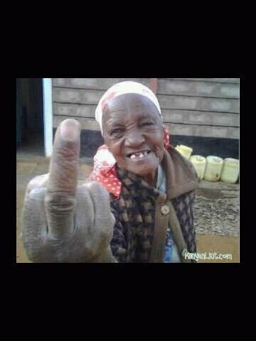 via @kenyafootball: Kenyan granny with a special message for @stuartf24 #PicturesForStuart pic.twitter.com/5XrhdJFULv